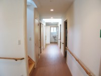 福岡市 介護施設 廊下