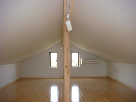 福岡市 新築住宅 屋根裏(小屋裏)収納