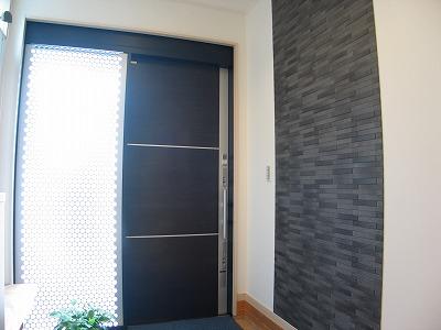 玄関飾り壁エコカラットタイル